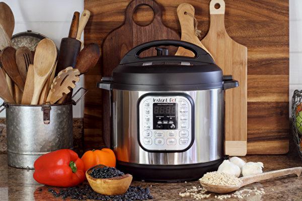 零廚藝煮出3道年菜 安全省時「壓力鍋」