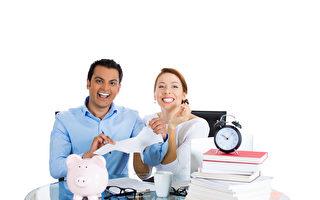 年轻夫妻分享18个月如何还清近10万债务
