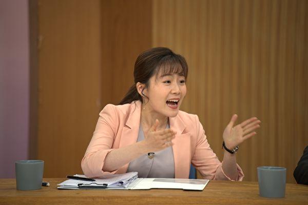楊小黎拍政治劇詮釋名嘴 與蔡燦得雙姝對罵