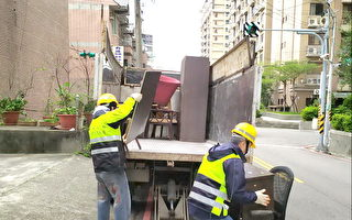 桃園環保局加班清運大型傢俱與家戶垃圾