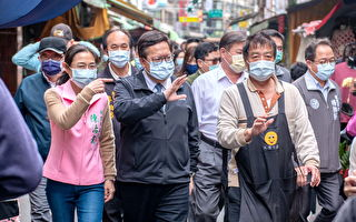 鄭文燦訪大溪老街游記油飯等業者加油打氣