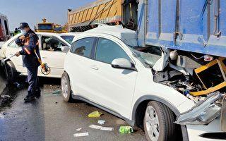 台61快速道路 多車追撞車禍  釀2死8送醫
