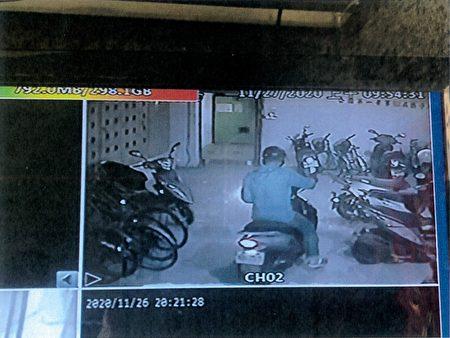 陈男外出电梯监视录影影像。
