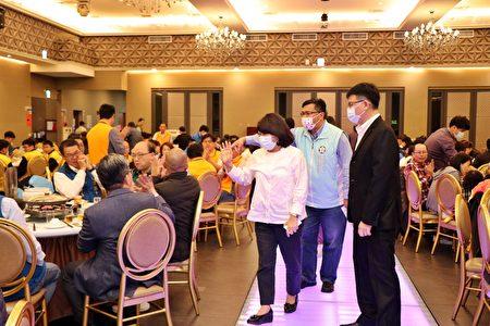 市长黄敏惠参与达美乐披萨奖学金颁奖典礼。