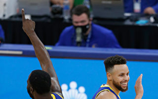 NBA库里领军格林助攻 勇士败步行者2连胜
