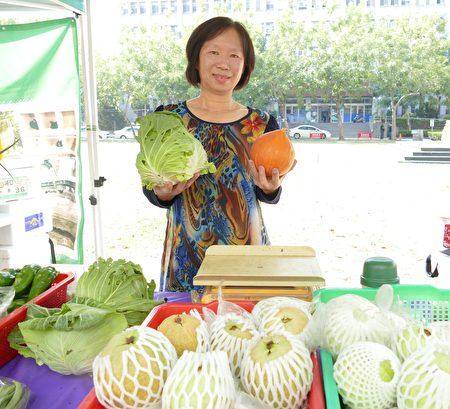 平林農場則展示了多樣少量的蔬果,像是百香果、紅龍果、紅心芭樂等。