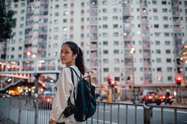 """""""离开不是逃避"""" 抗争中成长的香港女孩"""