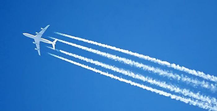 沖繩現不明飛行物 謎樣的白煙直竄升天