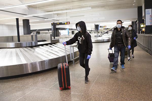 拜登對拒戴口罩公交乘客加倍罰款 最高三千