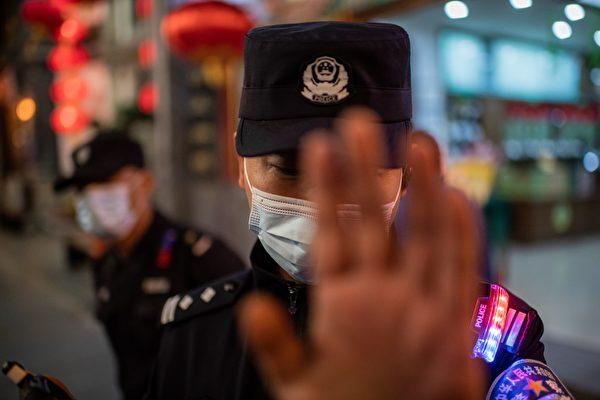 中共出台袭警罪 网民:警察打人怎么定罪?