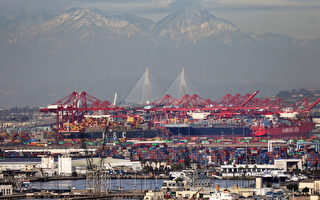 西海岸最大港几十艘货船积压 货物遭滞留