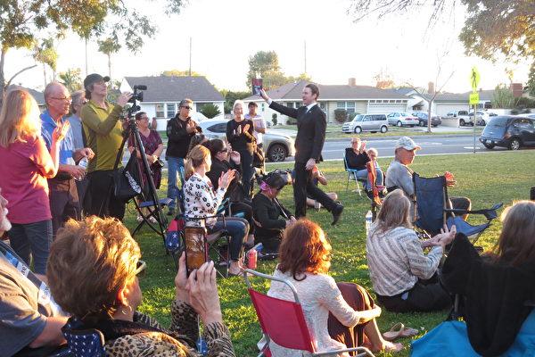 新書《罷免紐森》作者基利:加州人正在凝聚