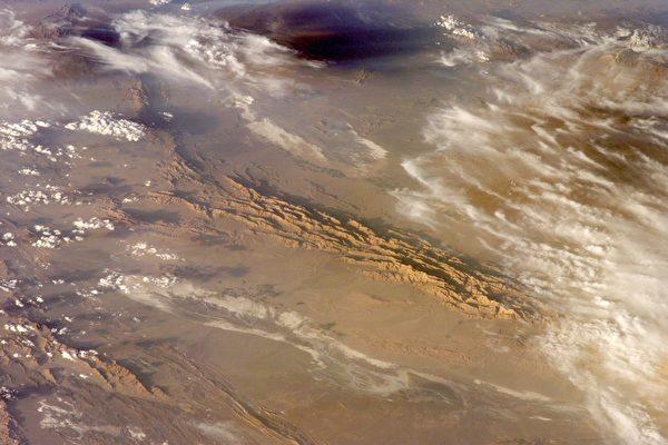 最高温达摄氏70.7度 世界最热的地方在伊朗