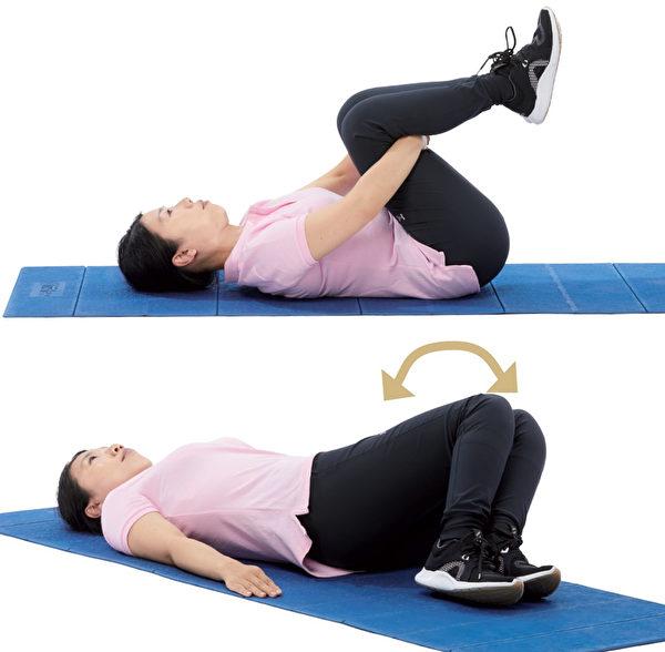 增強核心肌群的伸展運動1:牽拉運動。(原水文化提供)