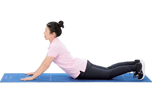 訓練核心,就是最好的護腰方式。(原水文化提供)
