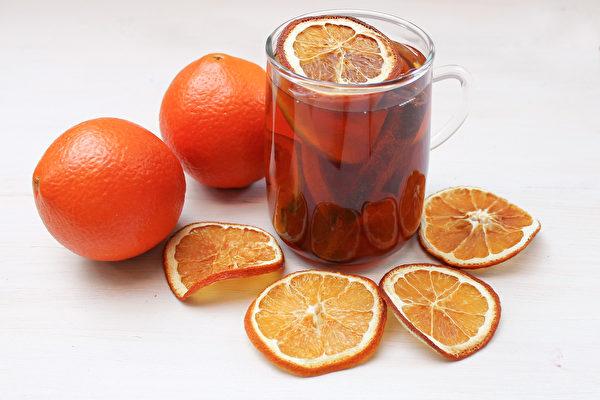 用最常见的水果煮果干水,养胃、护肤、改善脂肪肝。(Shutterstock)