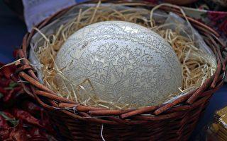 耗時3年 越南藝術家在蛋殼上鑽4萬多個洞
