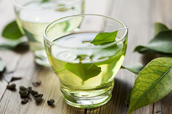 綠色食物的代表「綠茶」,含有豐富的抗氧化物質兒茶素。(Shutterstock)
