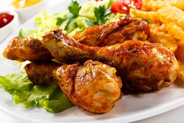 热量较低的气炸锅料理,让人不自觉吃进过多炸物。(Shutterstock)