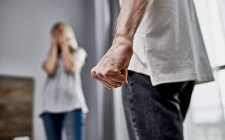 加國家庭暴力事件上升 專家:封鎖下生活壓力大