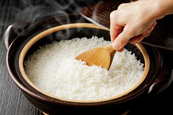 白米是營養的原型食物,糖尿病患者也適合吃。(Shutterstock)