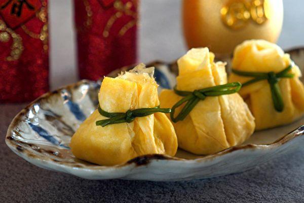 """和风家常菜 咸甜好吃的""""鲔鱼玉子茶巾"""""""