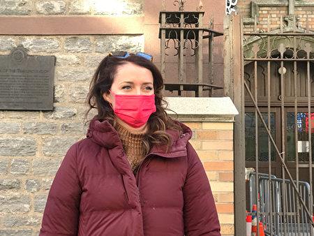 3月7日,纽约曼哈顿区长候选人、州长库默前助手林赛・博伊兰(Lindsey Boylan)主动来华埠了解当地社区的情况。