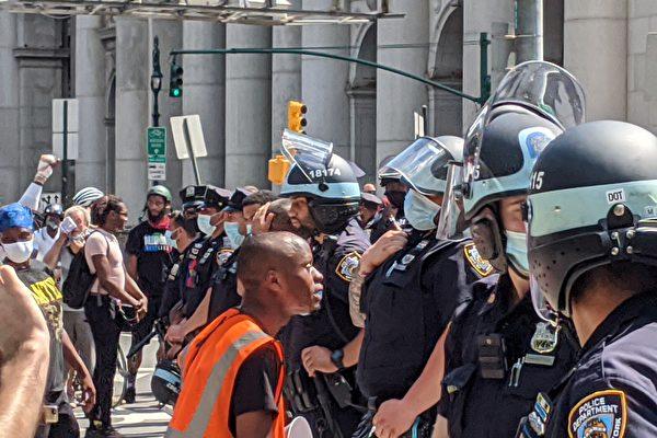 民主党主政大城市犯罪激增 不再削减警察预算