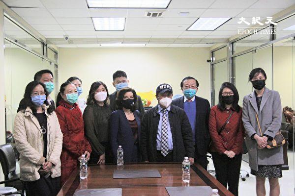 紐約副州長訪法拉盛超市 關心華人商家重振