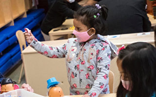 """""""3岁学前班""""扩展到全纽约市32个学区"""