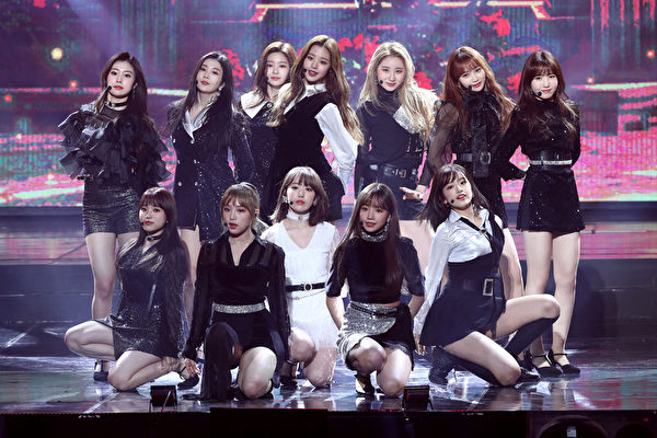 IZ*ONE attends the 8th Gaon Chart K-Pop Awards