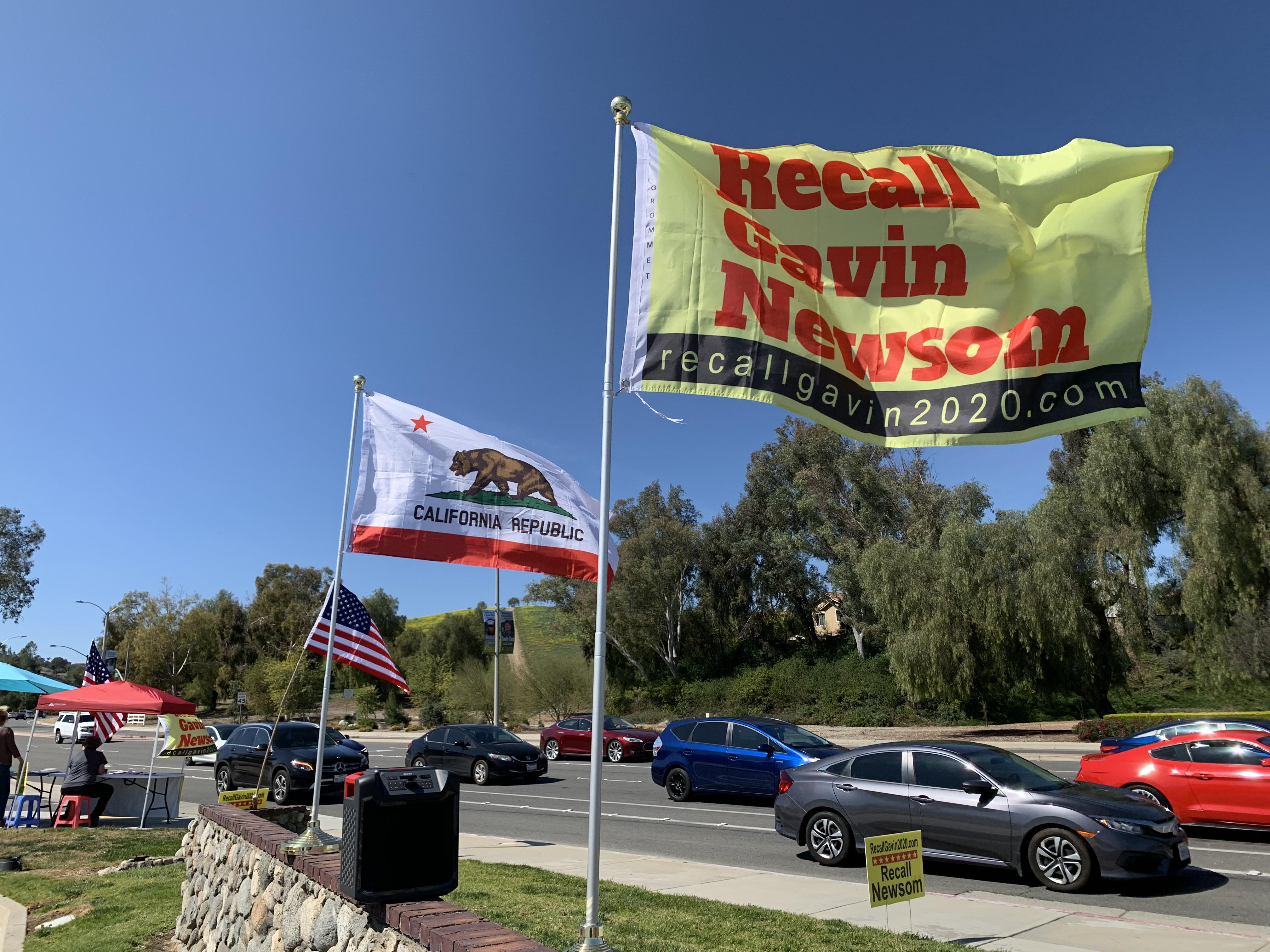 遭210万人联署罢免 加州州长纽森回应