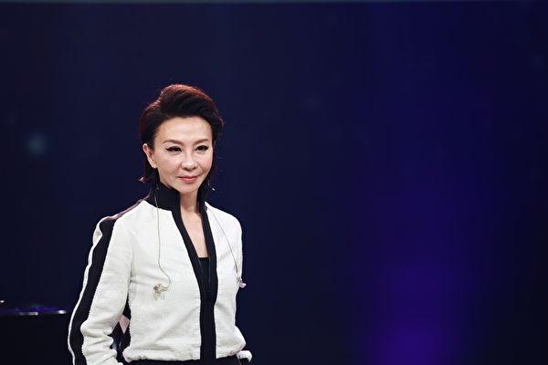 范怡文首次直播開唱 曝當年與張清芳配唱內幕