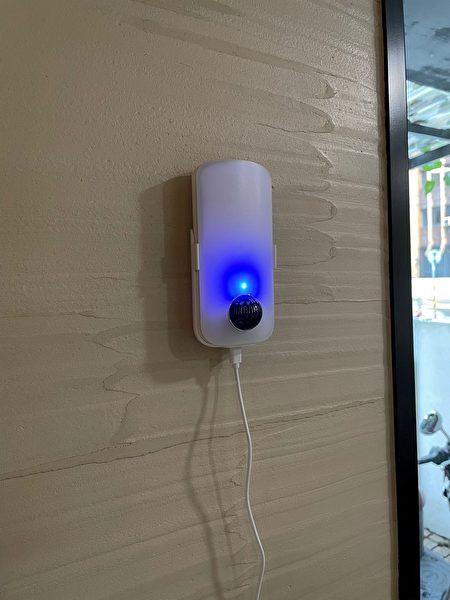 多功能地震感应灯,内置双重磁场感测及震动感测启动声光警示。