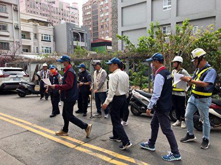 工務處處長郭拱源率隊前往嘉義市保福里國聖一街區域。