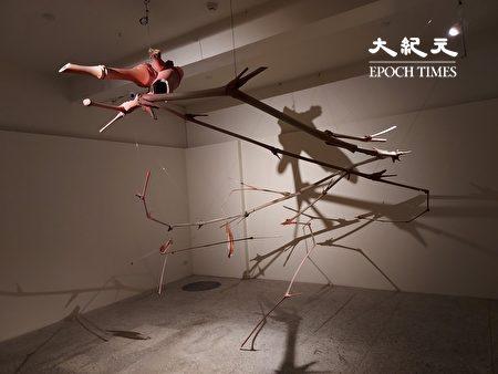甘乐阿舍美术馆展出艺术家邓尧鸿的作品之一。