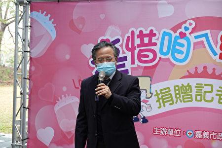 姚维仁院长表示,在困难中我们看到了需求,也看到了机会,这就是创新的来源,周信旭主任觉得小孩子是国家未来主人翁,要尽力去保护他们,所以才有新生儿防护面罩的想法。