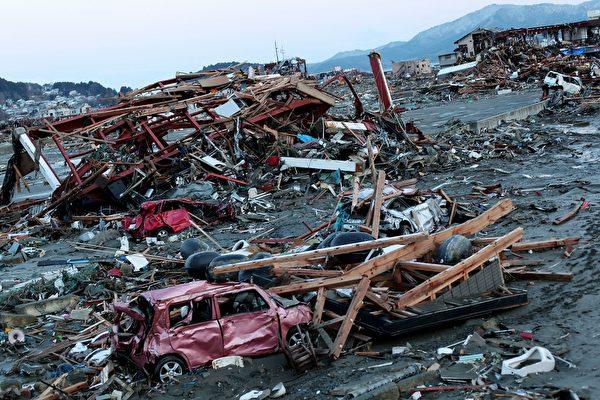 搭機拍海嘯獲獎 日本記者卻自責多年並轉職
