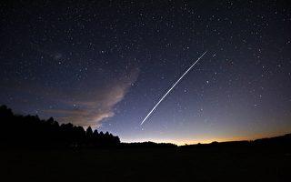 卫星像珍珠串一样在纽上空掠过,你看到了吗?