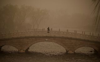 沙尘暴扩散中国17省 韩国全境笼罩黄沙