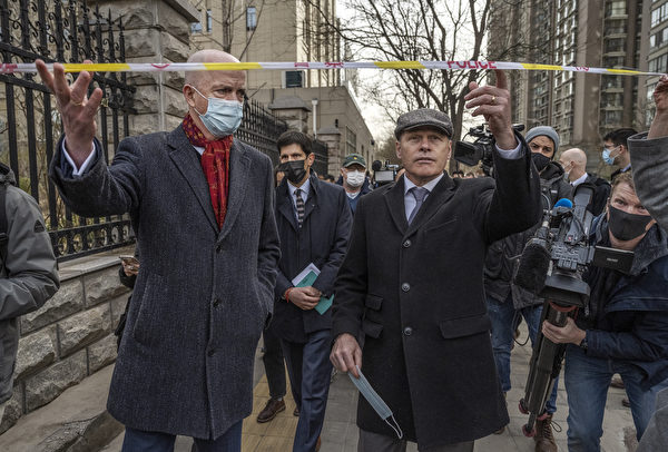今天(3月22日)加拿大前外交官康明凯(Michael Kovrig)相关案件在北京闭门开审。多国外交人员被拒绝进入法庭旁听。(Kevin Frayer/Getty Images)