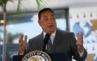 休斯顿警察局局长Acevedo辞职 迁往迈阿密