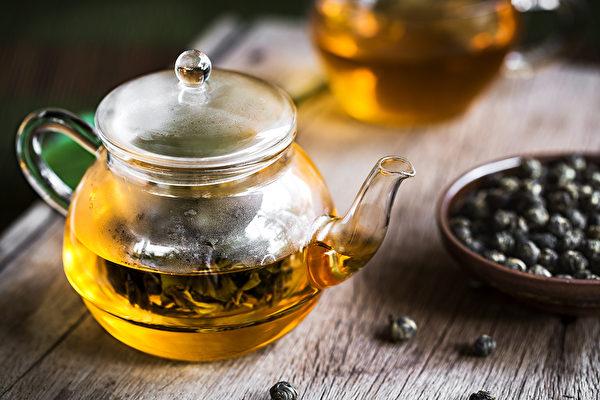 最常见的青茶是乌龙茶,发酵程度高的青茶,喝起来脾胃更舒服。(Shutterstock)