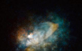 哈勃望远镜揭开超巨恒星变暗之谜