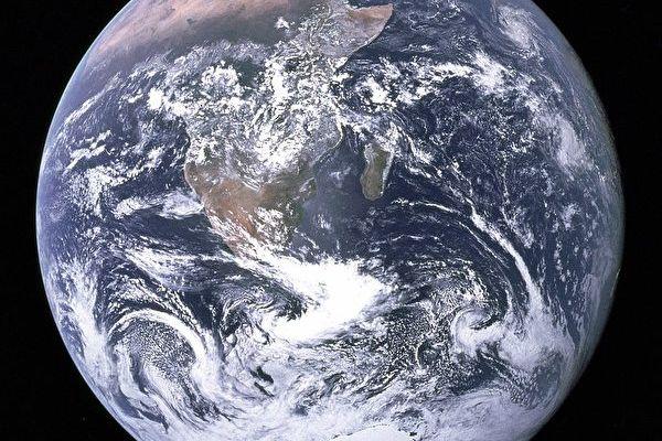 科学家:地球每年变轻五万吨