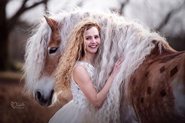 馬界「長髮公主」 使主人「童年夢想成真」