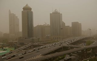 沙尘南下至淮河一线 12省市仍有沙尘天气