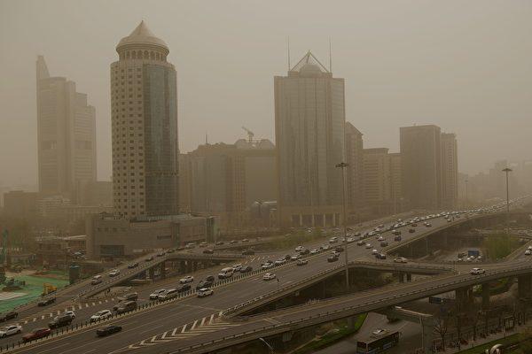沙塵南下至淮河一線 12省市仍有沙塵天氣