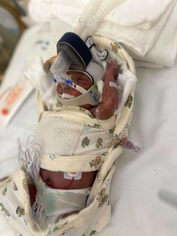 財神娛樂-德州暴風雪中 堅強媽媽在車上生下早產兒-百家樂贏錢公式