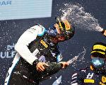 組圖:F1揭幕 小漢0.7秒力壓維斯塔潘奪冠